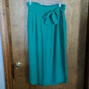 Carolina Belle Montreal Green crop pant w/ Pockets